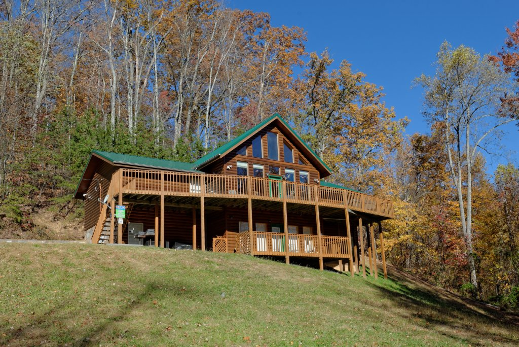 Photo of a Gatlinburg Cabin named Life Of Luxury #12 - This is the eighteenth photo in the set.