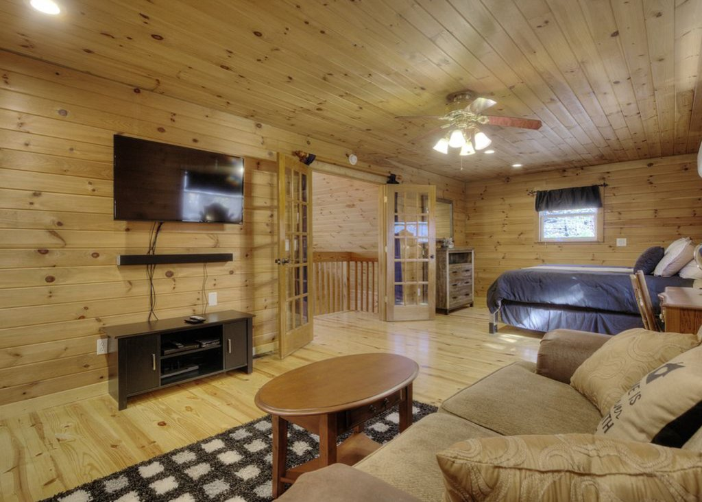 Photo of a Pigeon Forge Cabin named Sweet Tea - This is the ninth photo in the set.