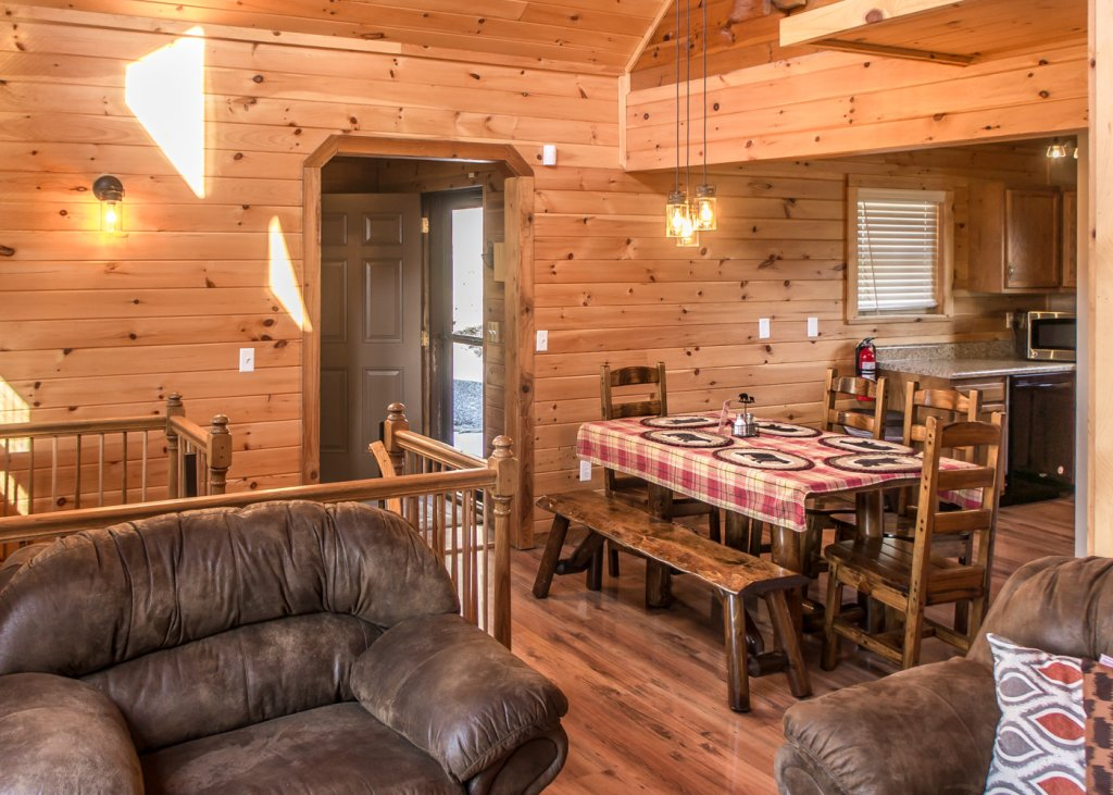 Photo of a Pigeon Forge Cabin named Sweet Tea - This is the third photo in the set.