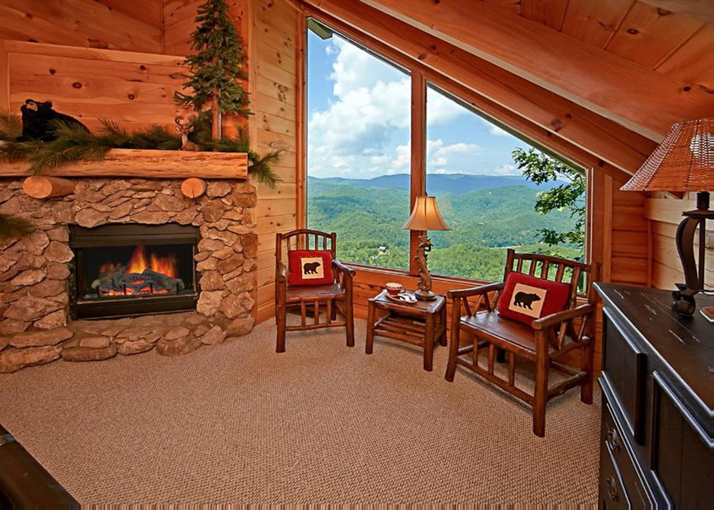 Photo of a Pigeon Forge Cabin named Above It All #38 - This is the twelfth photo in the set.