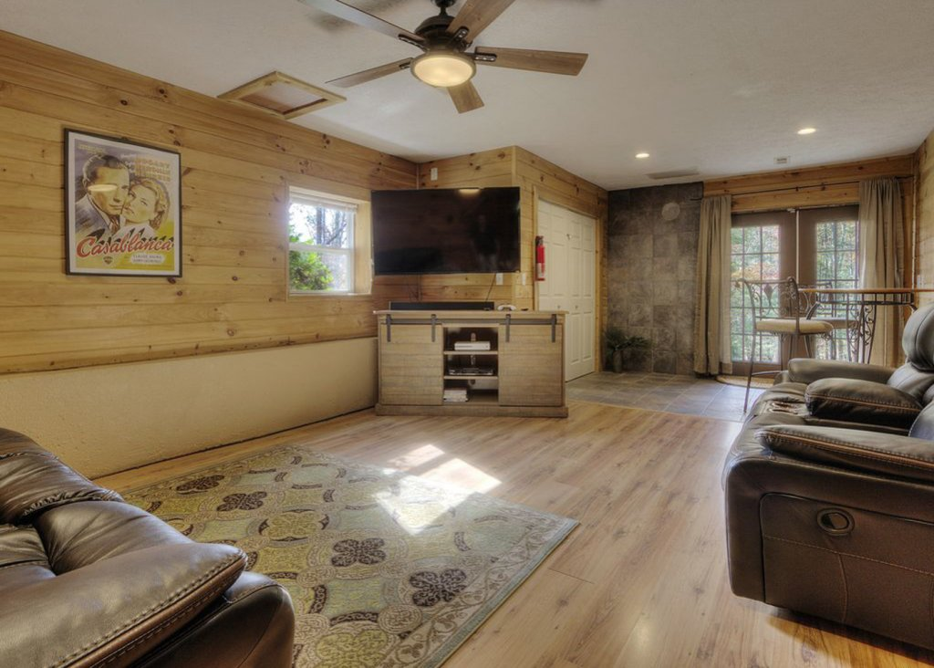 Photo of a Pigeon Forge Cabin named Sweet Tea - This is the eighteenth photo in the set.