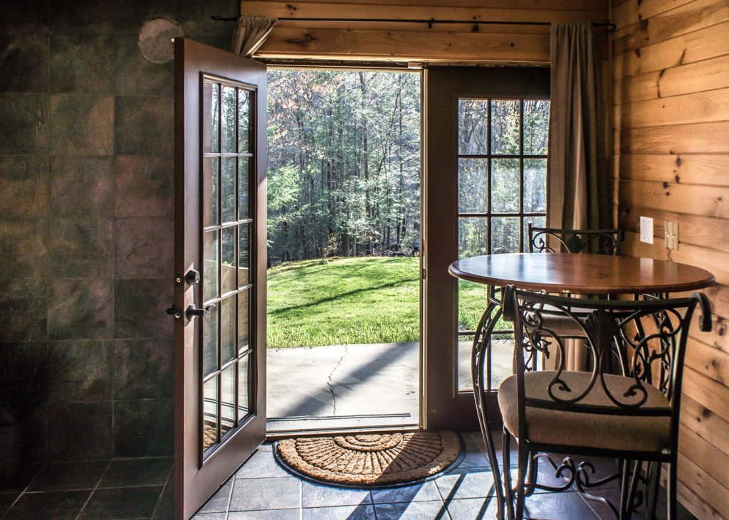 Photo of a Pigeon Forge Cabin named Sweet Tea - This is the twenty-first photo in the set.