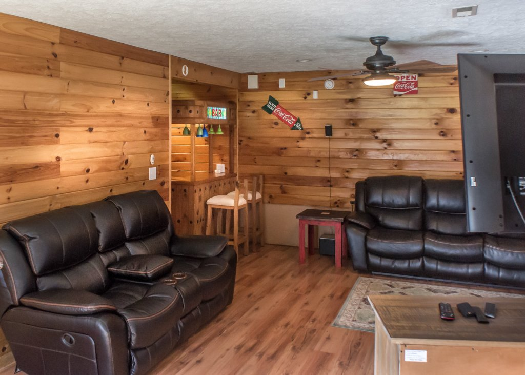 Photo of a Pigeon Forge Cabin named Sweet Tea - This is the nineteenth photo in the set.