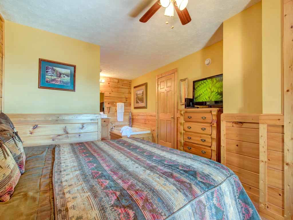 Photo of a Gatlinburg Cabin named Breathtaking View - This is the thirteenth photo in the set.