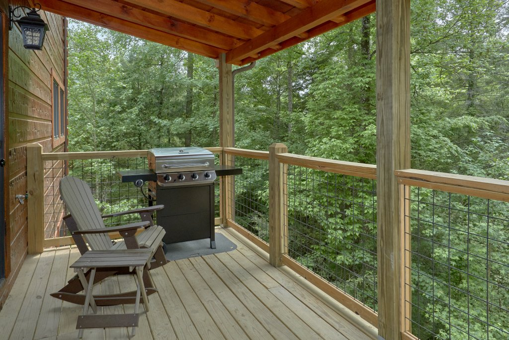 Photo of a Pigeon Forge Cabin named Poolin Around - This is the ninth photo in the set.