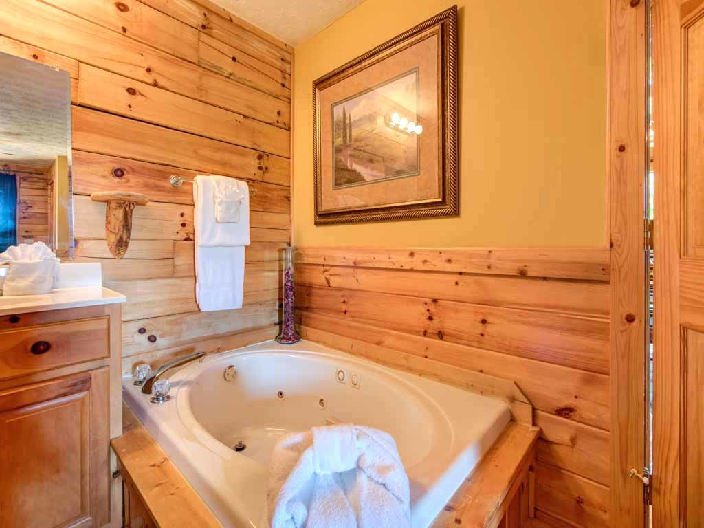 Photo of a Gatlinburg Cabin named Breathtaking View - This is the fourteenth photo in the set.