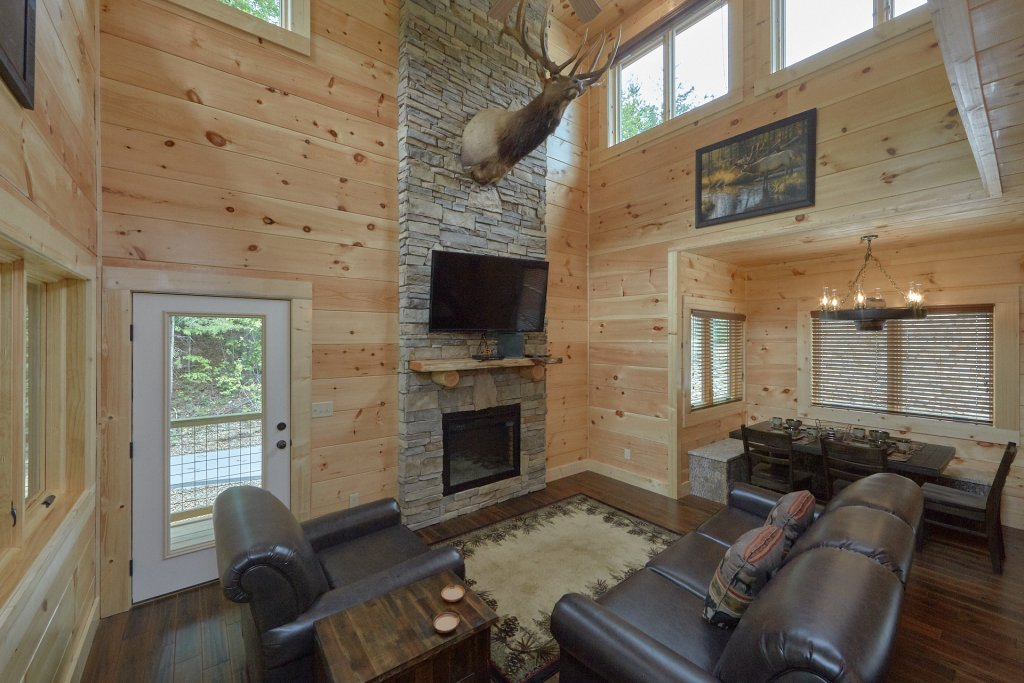 Photo of a Pigeon Forge Cabin named Poolin Around - This is the twelfth photo in the set.