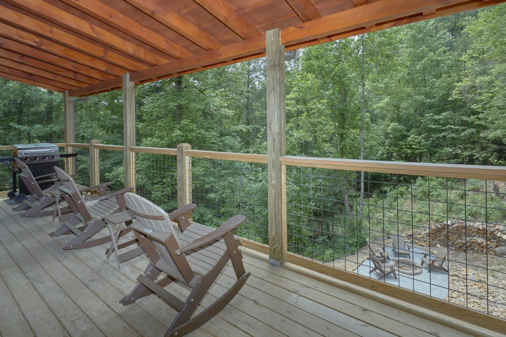 Photo of a Pigeon Forge Cabin named Poolin Around - This is the sixth photo in the set.