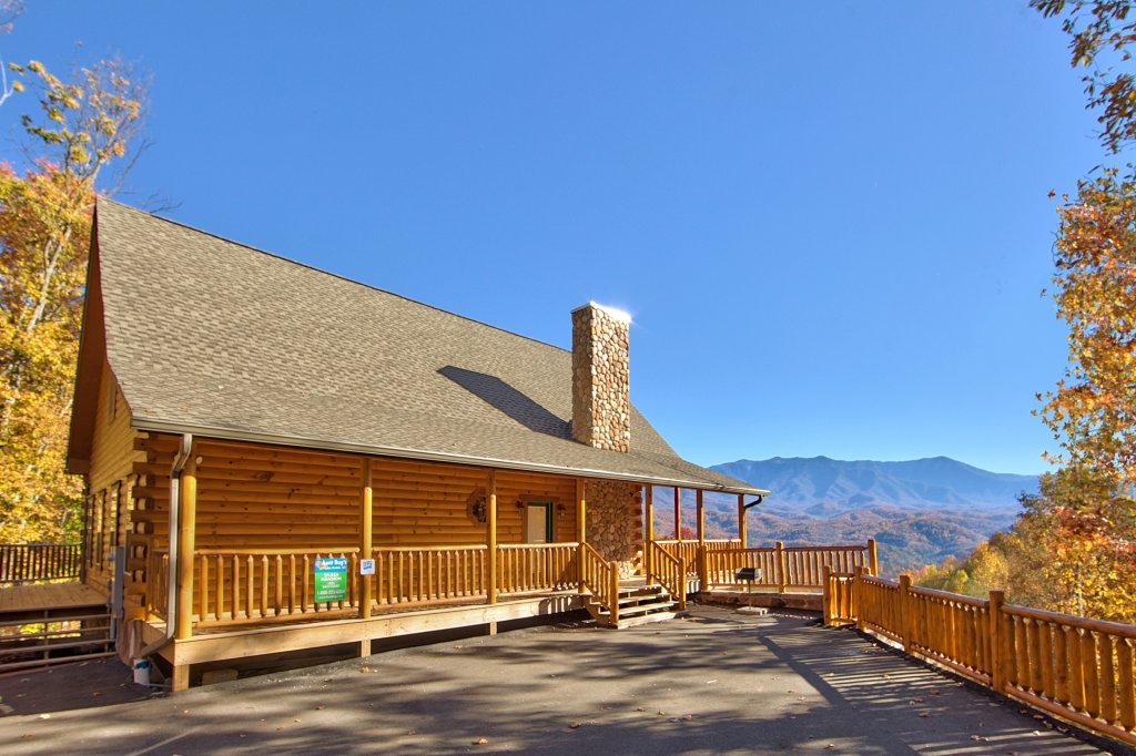 Photo of a Gatlinburg Cabin named Splash Mansion #500 - This is the thirty-first photo in the set.