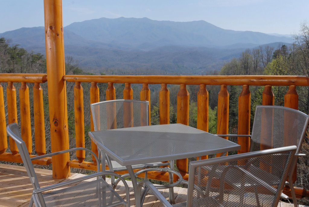 Photo of a Gatlinburg Cabin named Splash Mansion #500 - This is the forty-first photo in the set.