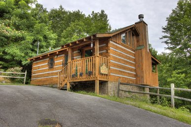 1 Bedroom 1 Bathroom with a Great Mountain View on Bluff Mountain!