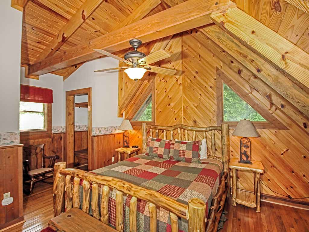Photo of a Gatlinburg Cabin named Buckhorn - This is the thirteenth photo in the set.