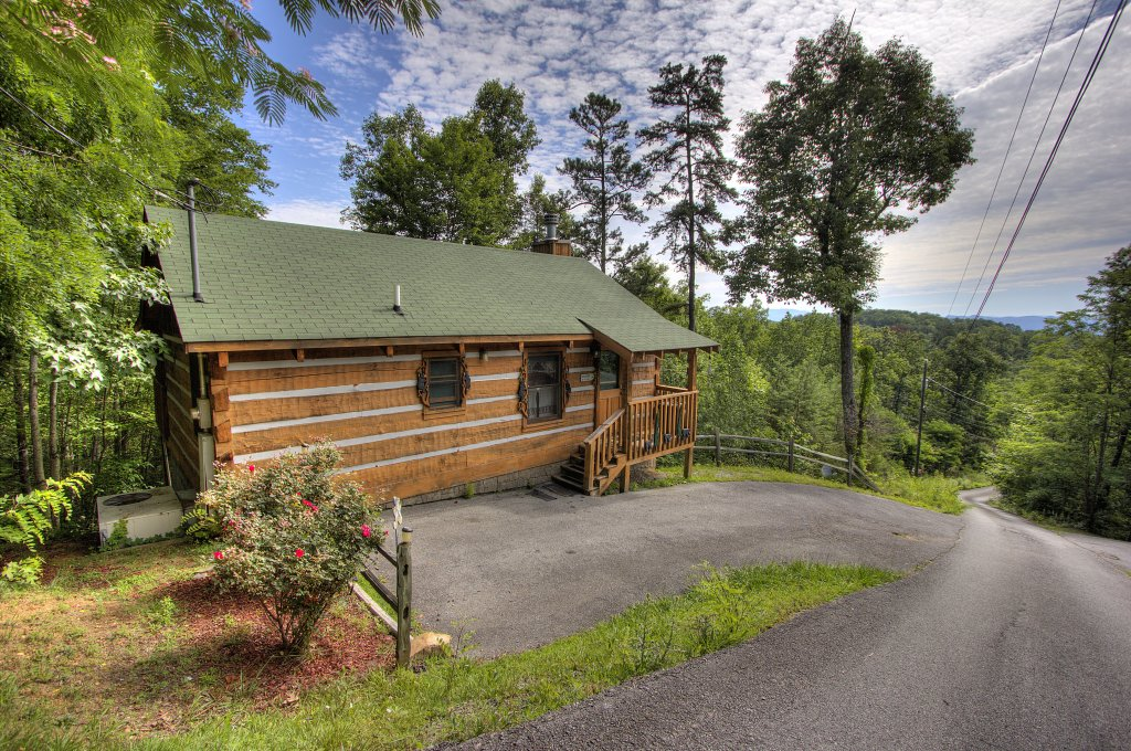 Photo of a Pigeon Forge Cabin named Apple Bear View #116 - This is the sixteenth photo in the set.