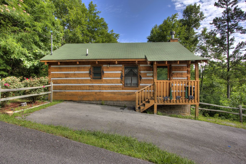 Photo of a Pigeon Forge Cabin named Apple Bear View #116 - This is the fourteenth photo in the set.