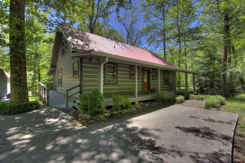 Photo of a Gatlinburg Cabin named Living Waters #376 - This is the eighteenth photo in the set.