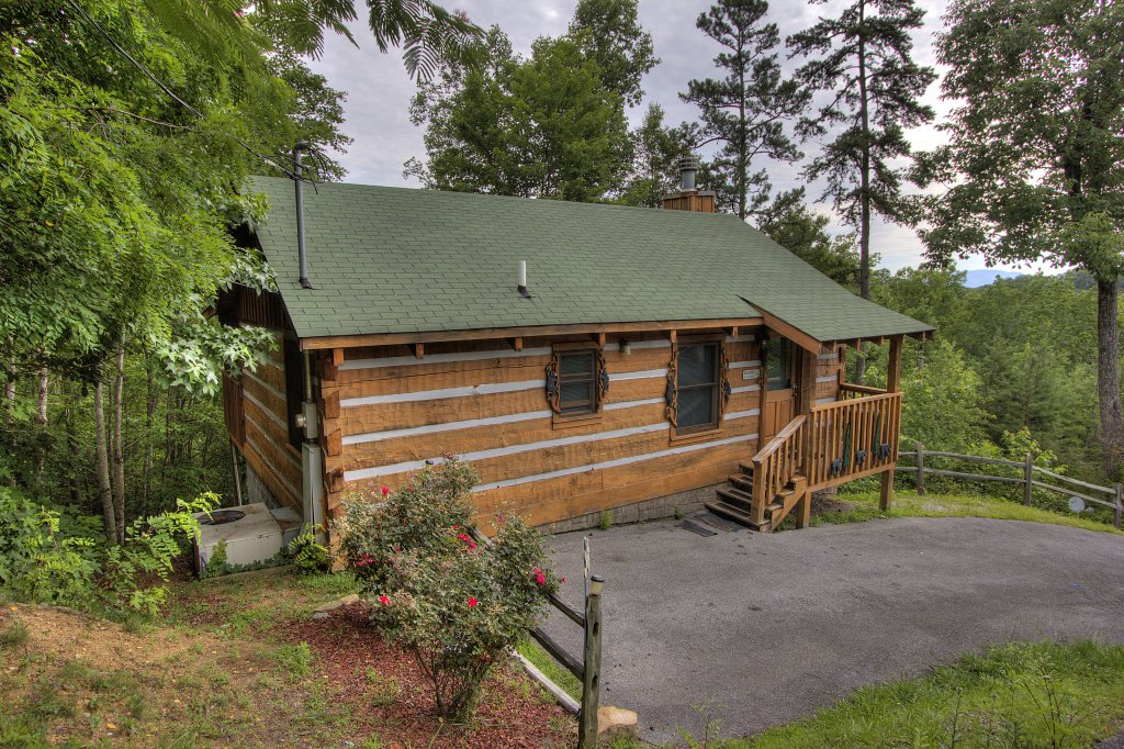 Photo of a Pigeon Forge Cabin named Apple Bear View #116 - This is the seventeenth photo in the set.