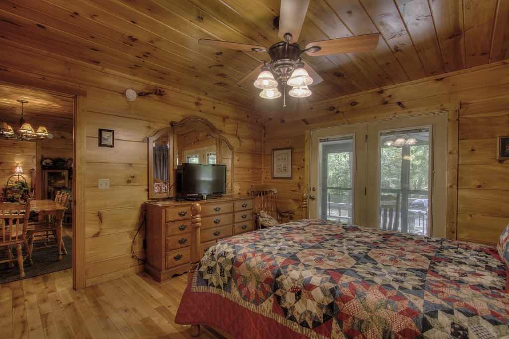 Photo of a Gatlinburg Cabin named Living Waters #376 - This is the forty-fifth photo in the set.