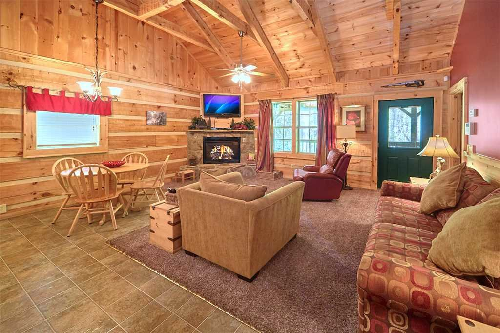 Photo of a Gatlinburg Cabin named Life's Escape - This is the fourth photo in the set.
