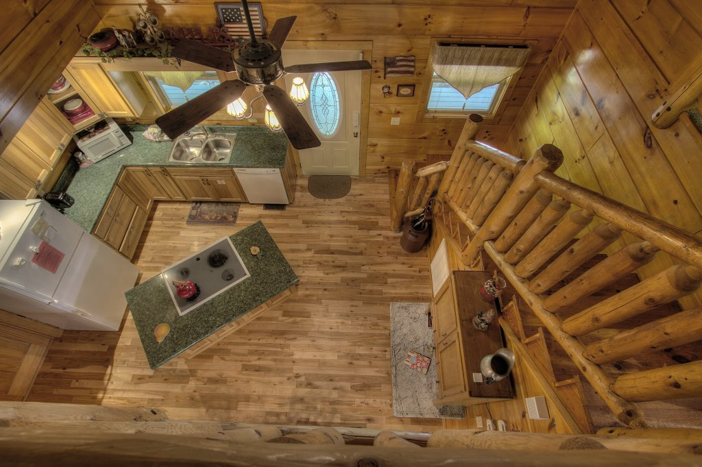 Photo of a Gatlinburg Cabin named Living Waters #376 - This is the fiftieth photo in the set.