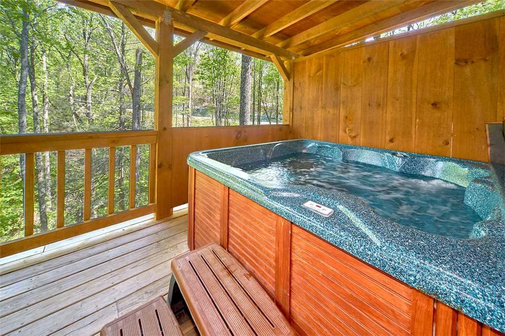 Photo of a Gatlinburg Cabin named Life's Escape - This is the third photo in the set.