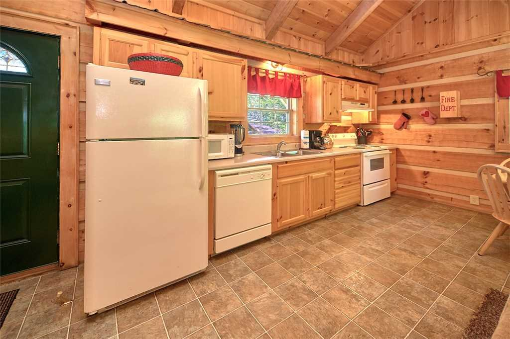 Photo of a Gatlinburg Cabin named Life's Escape - This is the sixth photo in the set.