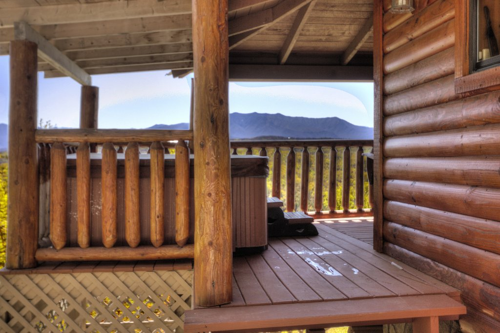 Photo of a Pigeon Forge Cabin named Grandpa Bear's View #233 - This is the thirty-fifth photo in the set.