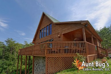 Large 2 Bedroom Cabin W/loft,mountain View 2 Miles To Downtown Pigeon Forge