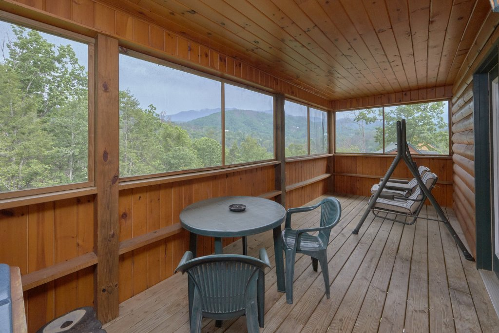 Photo of a Gatlinburg Cabin named Inspiration Point - This is the third photo in the set.