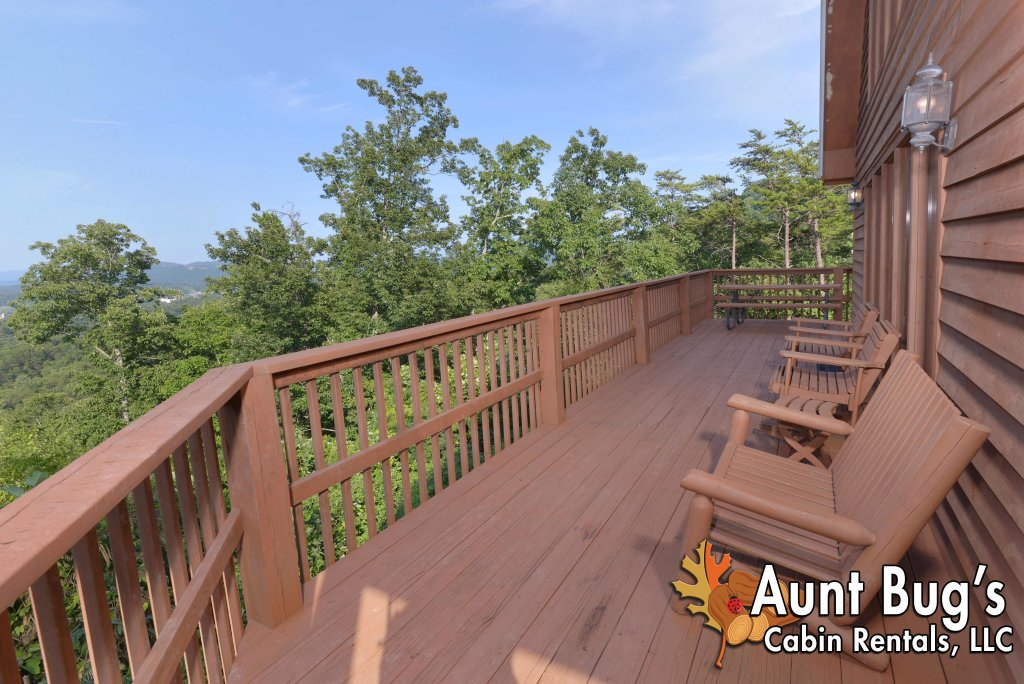 Photo of a Pigeon Forge Cabin named A Grand View From Above #225 - This is the forty-third photo in the set.