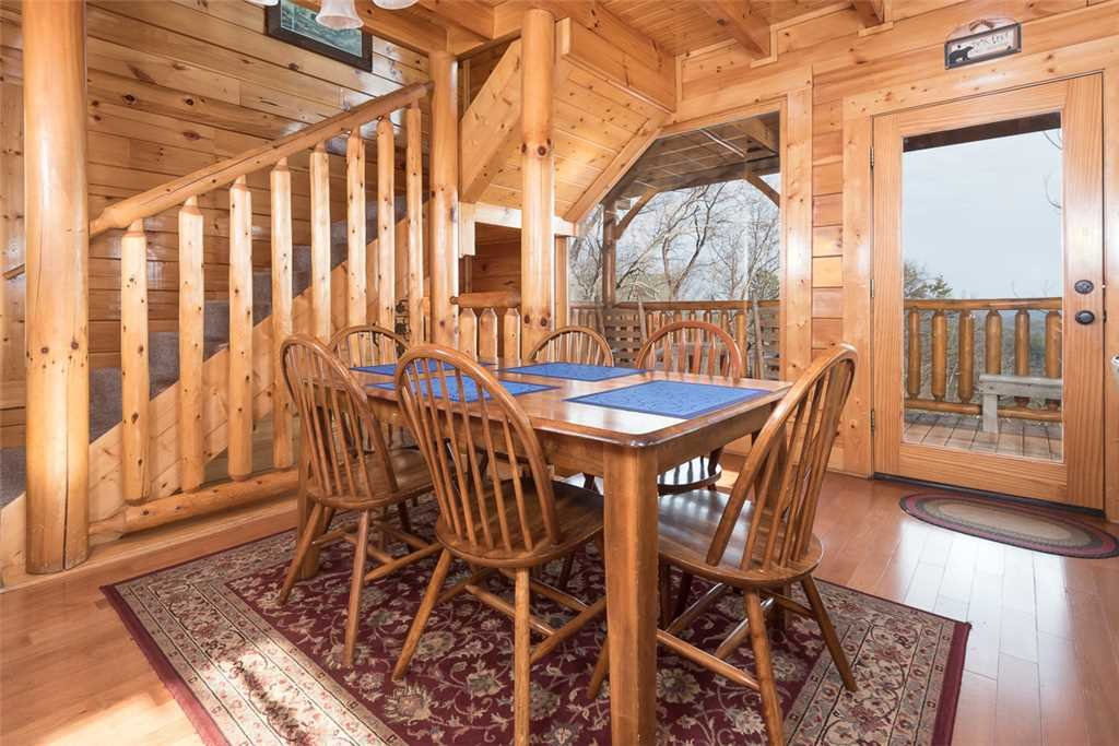 Photo of a Pigeon Forge Cabin named Bearly Believable - This is the fifth photo in the set.