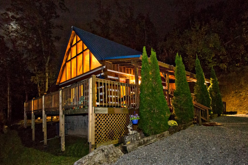 Photo of a Gatlinburg Cabin named Eagle's View - This is the third photo in the set.