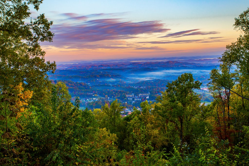 Photo of a Gatlinburg Cabin named Eagle's View - This is the first photo in the set.