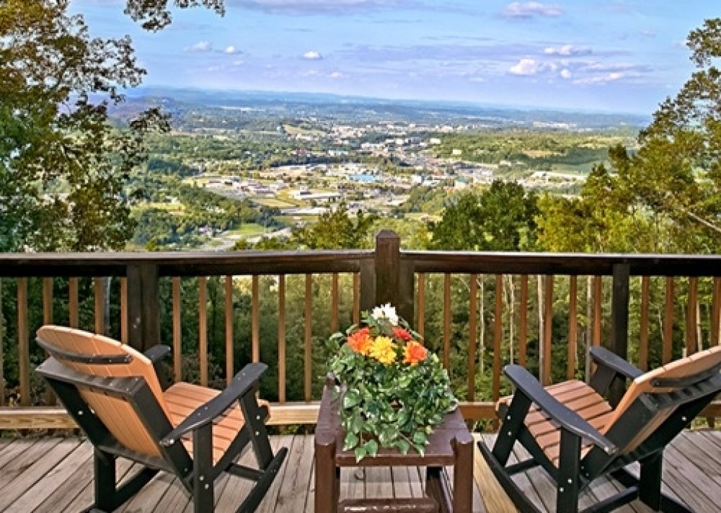 Photo of a Gatlinburg Cabin named Eagle's View - This is the second photo in the set.