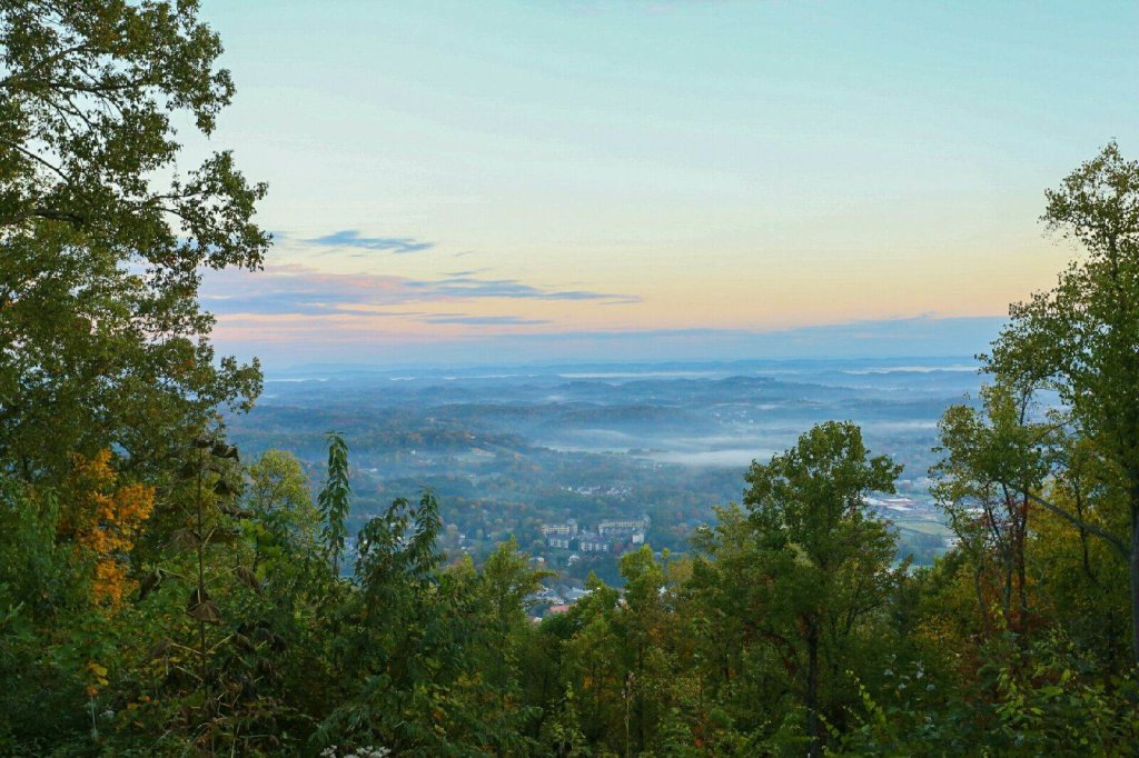 Photo of a Gatlinburg Cabin named Eagle's View - This is the fourteenth photo in the set.
