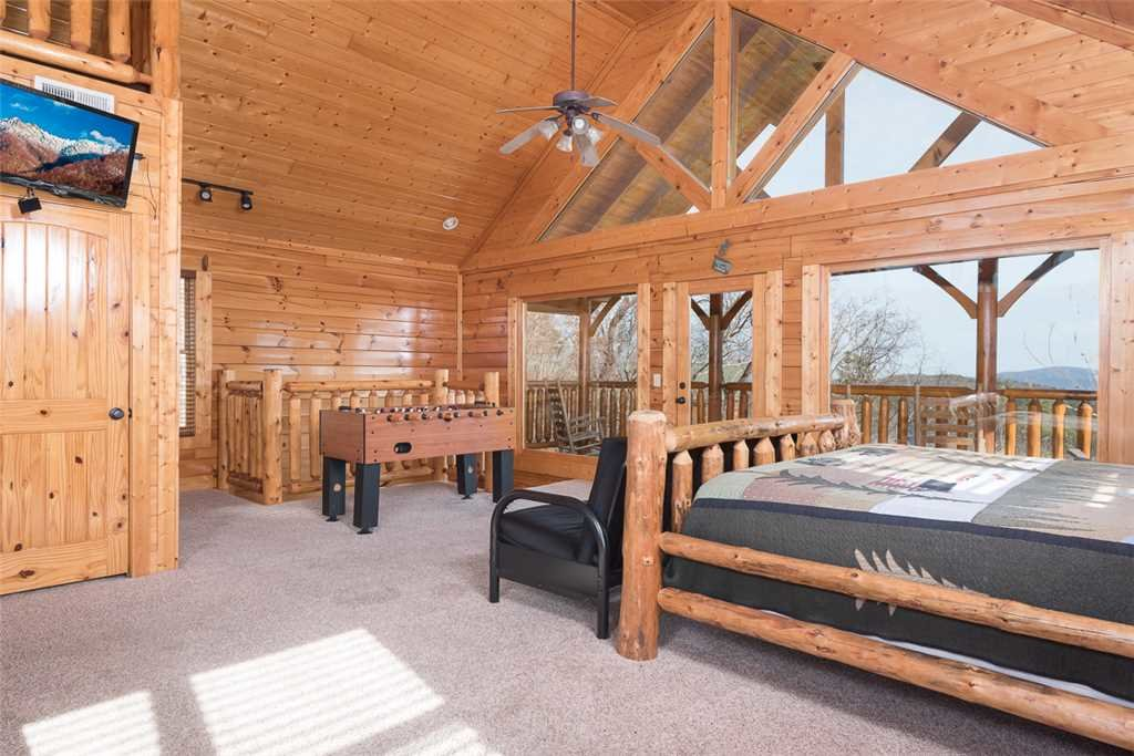 Photo of a Pigeon Forge Cabin named Bearly Believable - This is the twelfth photo in the set.
