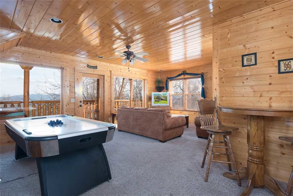 Photo of a Pigeon Forge Cabin named Bearly Believable - This is the ninth photo in the set.