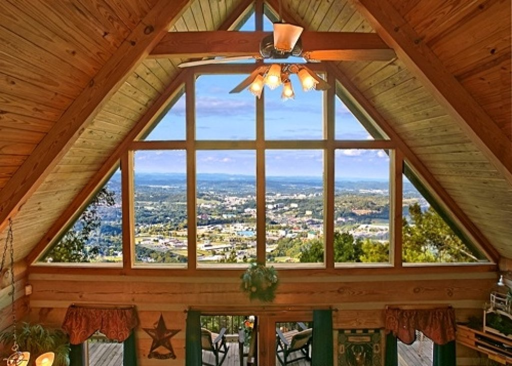 Photo of a Gatlinburg Cabin named Eagle's View - This is the thirty-first photo in the set.