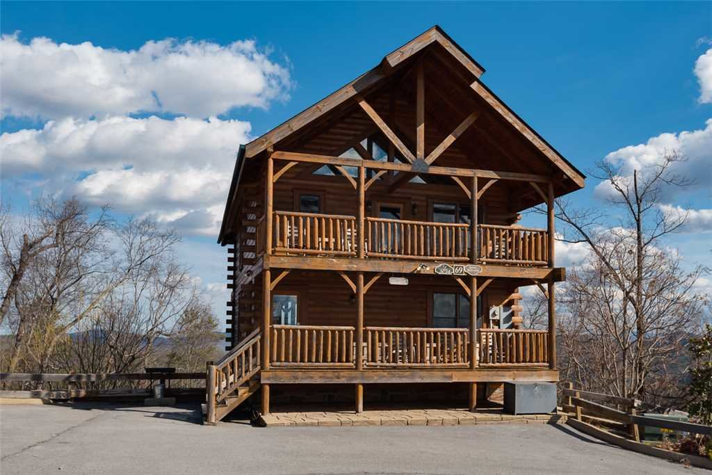 Photo of a Pigeon Forge Cabin named Bearly Believable - This is the twenty-sixth photo in the set.