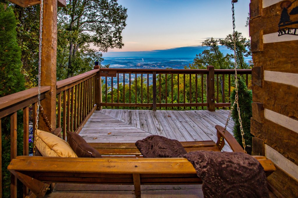 Photo of a Gatlinburg Cabin named Eagle's View - This is the thirty-sixth photo in the set.