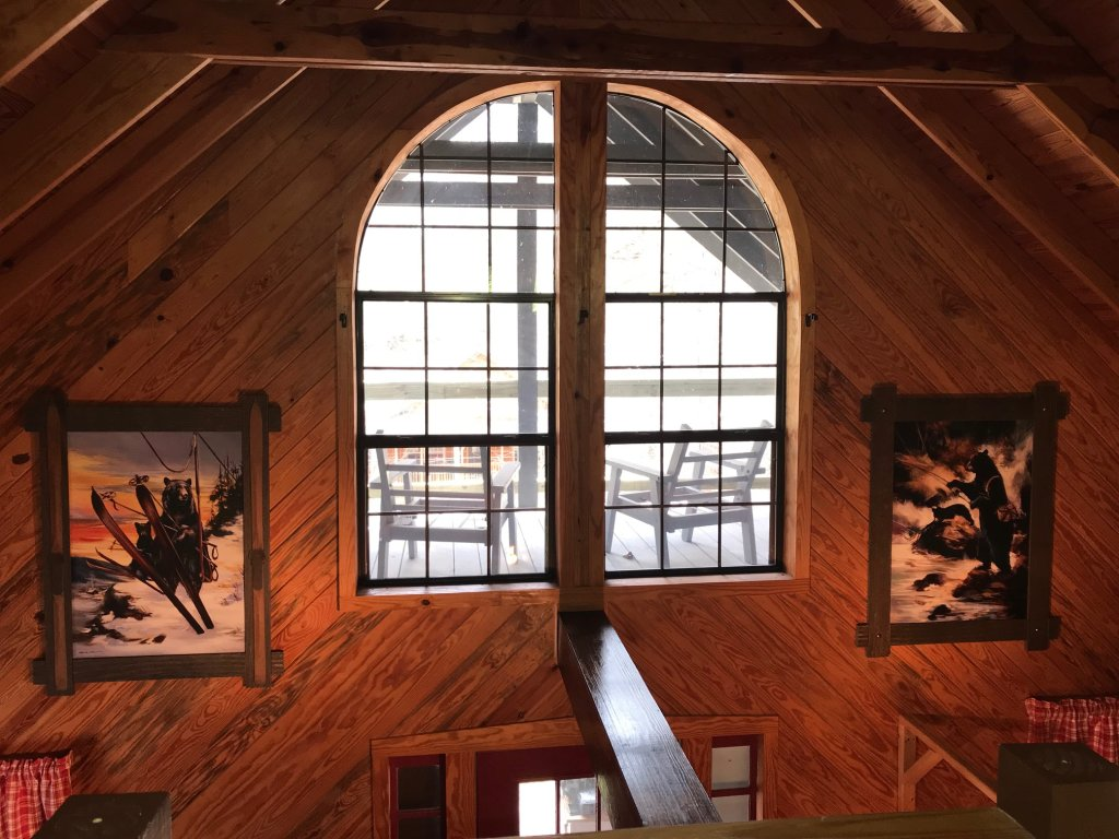 Photo of a Gatlinburg Cabin named Lake Vista Lodge - 248 - This is the twenty-second photo in the set.