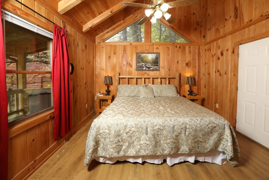 Photo of a Pigeon Forge Cabin named Creekside Tranquility #365 - This is the fourth photo in the set.