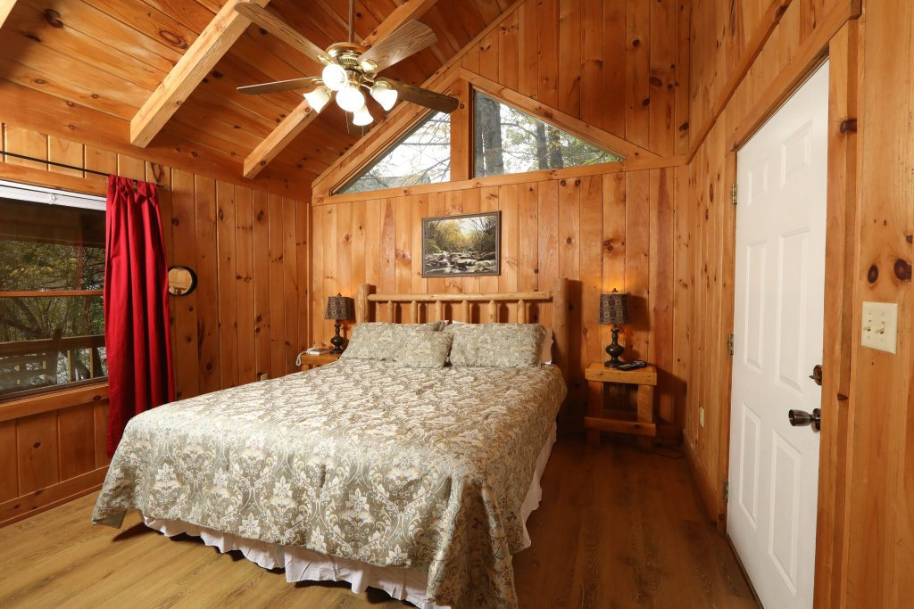 Photo of a Pigeon Forge Cabin named Creekside Tranquility #365 - This is the eleventh photo in the set.