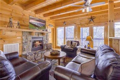 Bear Mountain Lodge, 7 Bedroom,theater, Pool Access,driver Arcades,sleep 30