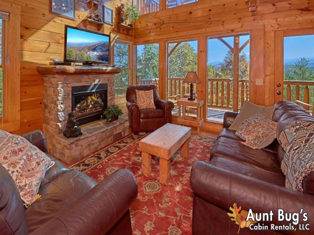 Photo of a Pigeon Forge Cabin named Incredible View - #326 - This is the fourth photo in the set.