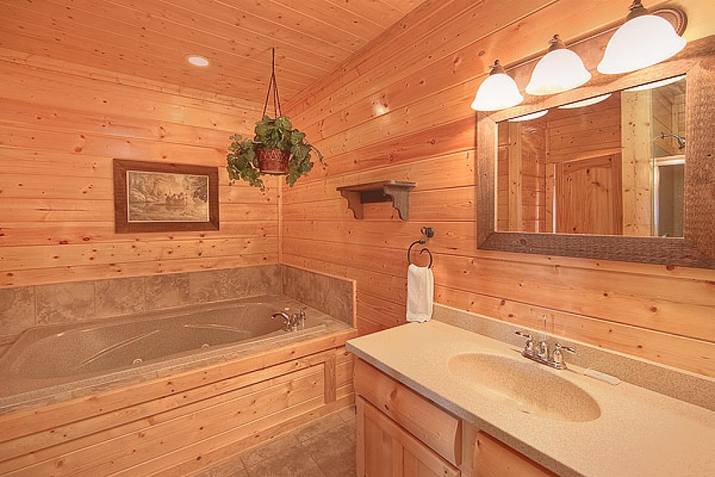 Photo of a Pigeon Forge Cabin named Pleasant View Ridge - This is the sixth photo in the set.