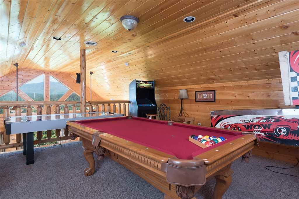 Photo of a Pigeon Forge Cabin named The Grand Legacy - This is the sixth photo in the set.