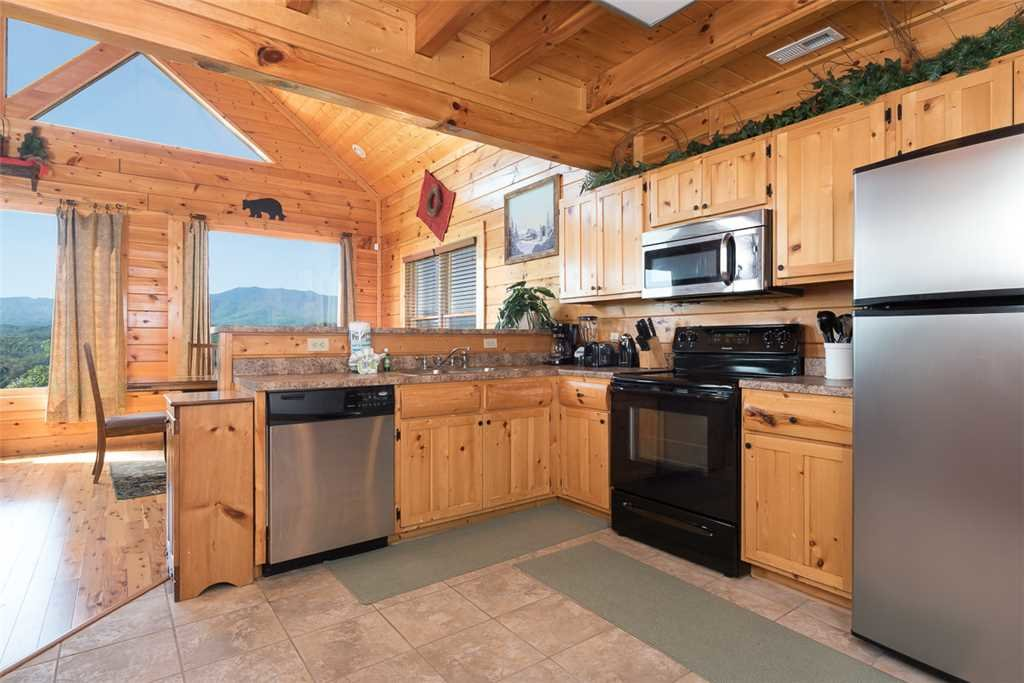 Photo of a Pigeon Forge Cabin named The Grand Legacy - This is the fourth photo in the set.