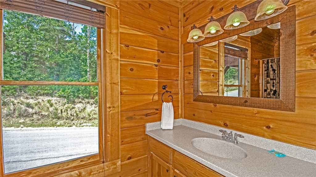 Photo of a Pigeon Forge Cabin named High Expectations - This is the fifteenth photo in the set.