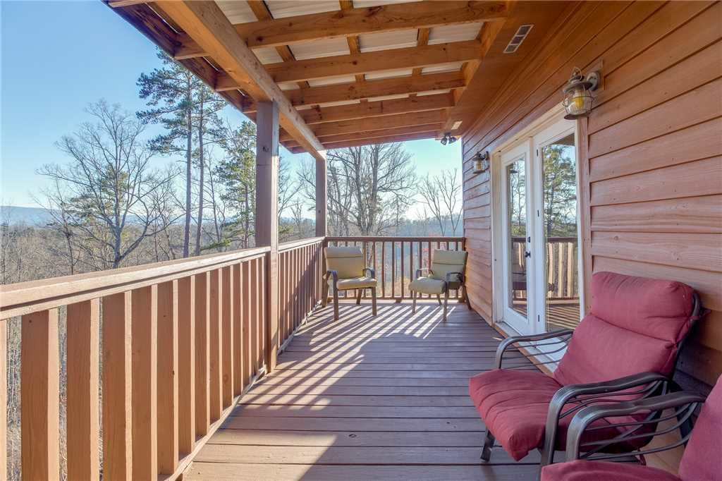 Photo of a Sevierville Cabin named Bear Hollow Lodge - This is the thirty-third photo in the set.