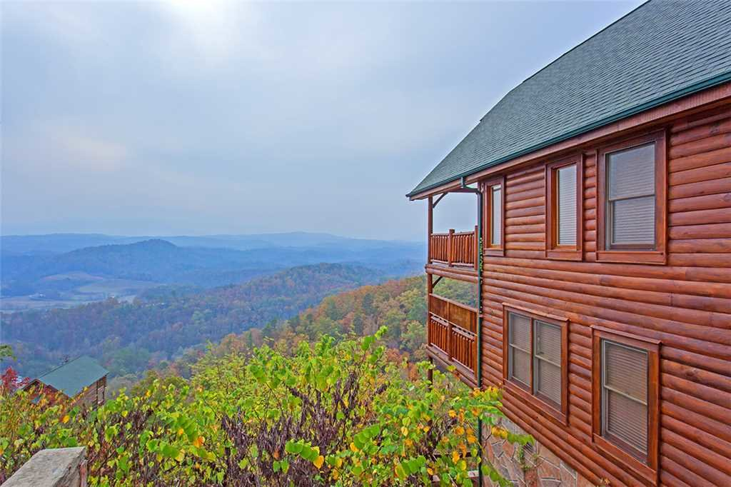 Photo of a Pigeon Forge Cabin named Breathtaking View - This is the second photo in the set.